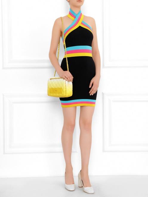 Платье-футляр с контрастной окантовкой - Модель Общий вид