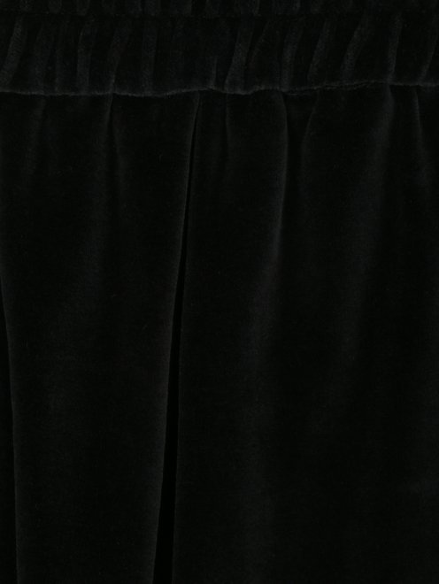 Шорты бархатные на резинке - Деталь