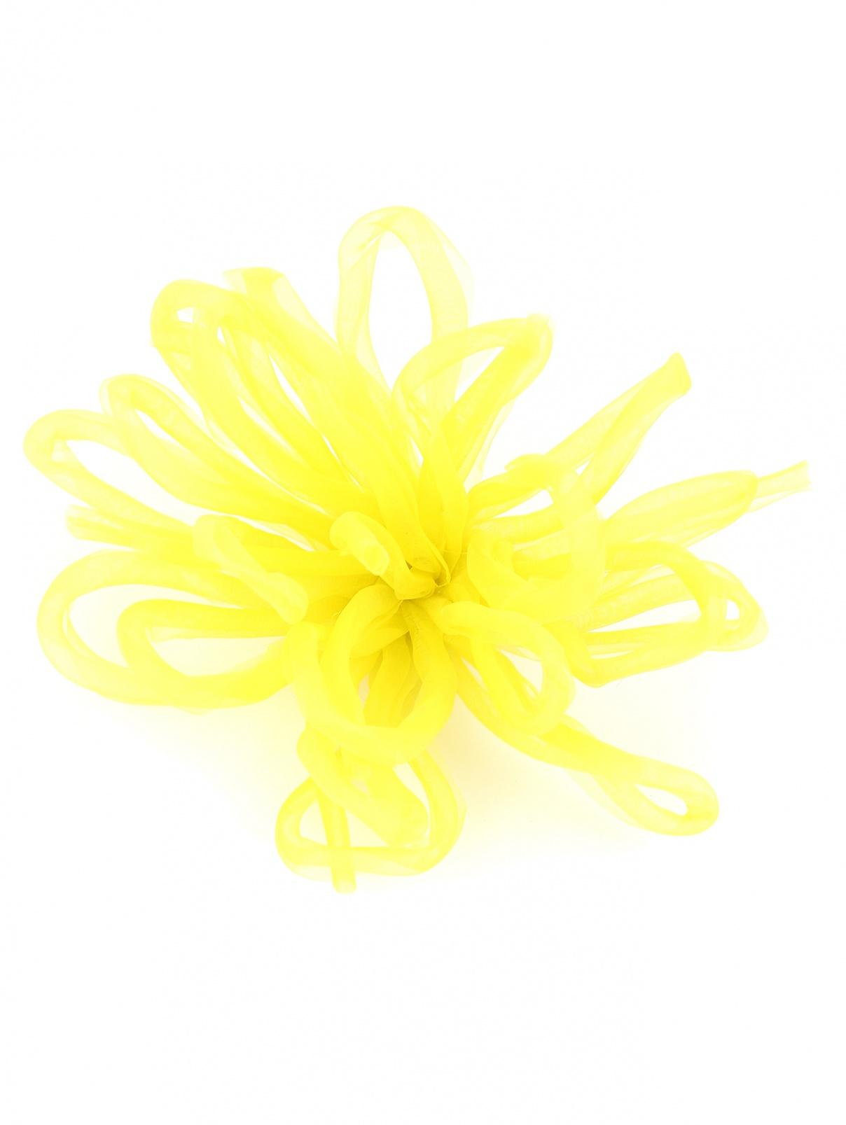 Брошь из текстиля в форме цветка Persona by Marina Rinaldi  –  Общий вид  – Цвет:  Желтый
