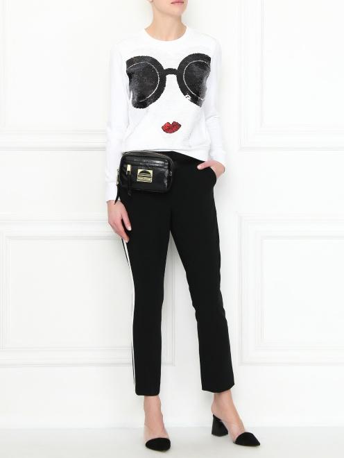 Укороченные брюки с карманами - Общий вид