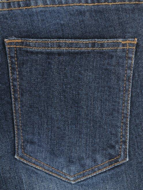 Джинсы декорированные вышивкой и бисером - Деталь