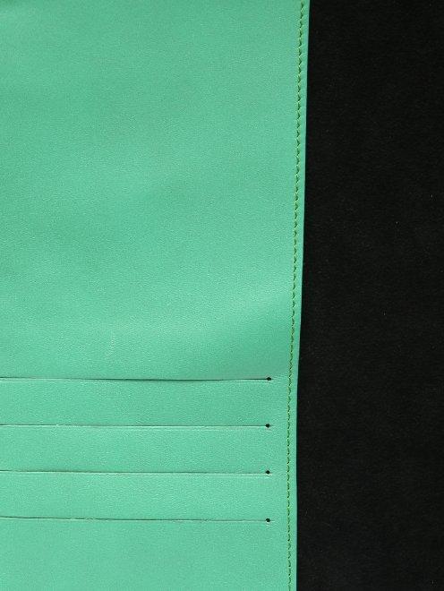Кожаный чехол для iPad с тиснением - Деталь1