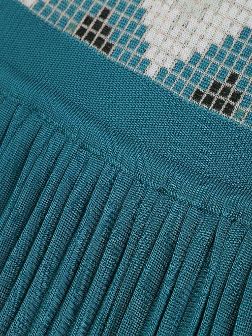 Платье трикотажное с рисунком и плиссированной юбкой - Деталь