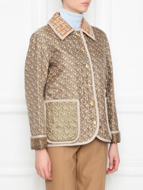 Стеганная куртка из шелка с накладными карманами и принтом  - МодельВерхНиз