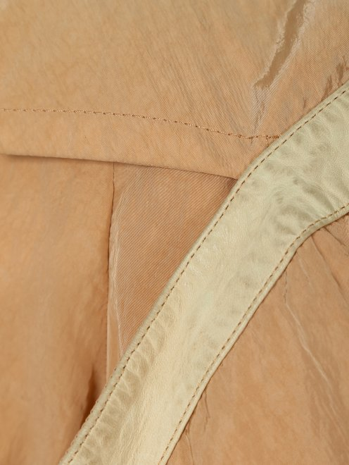 Легкая куртка с карманами  - Деталь