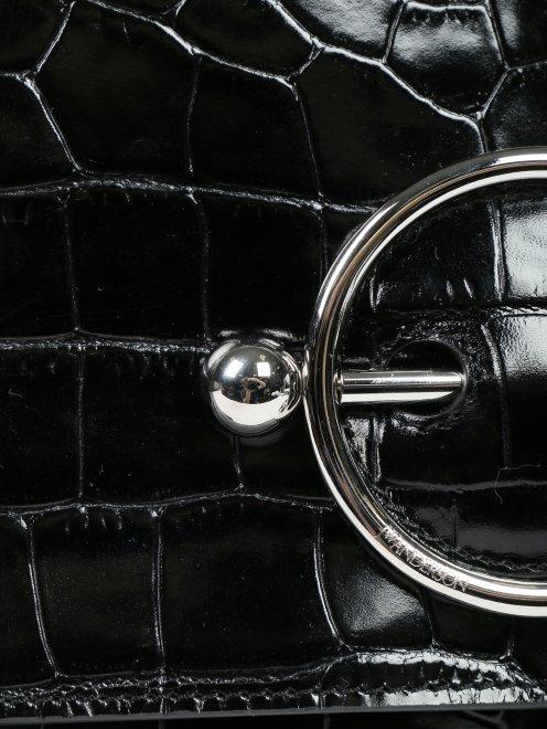 Портфель из кожи с тиснением и декором шнуром - Деталь